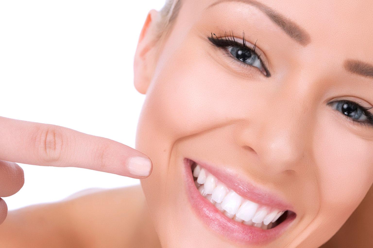 carillas_implantes_dentales